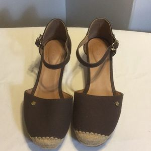 Shoes - Fitzwell Sandals (NWOT)
